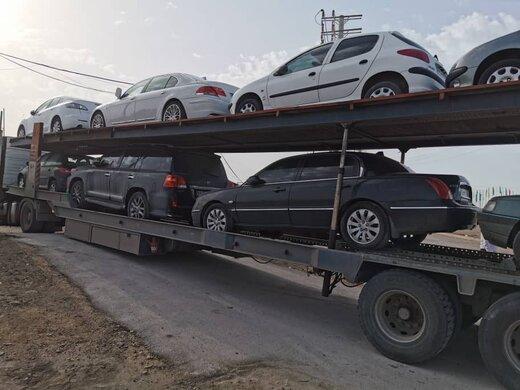 ببینید   توقیف ماشینهای نمره تهرانی که با قاچاق بر به بوشهر برده میشدند!