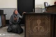 ببینید | ضجههای زنی که مواد ضدعفونی تقلبی تولید میکرد در دادگاه!