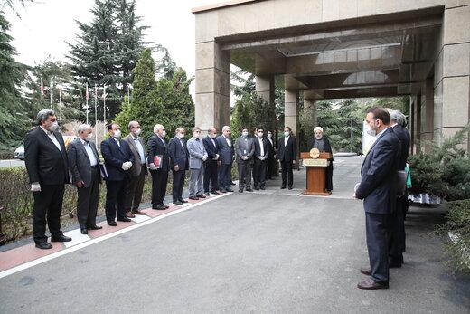 واکنش رئیسجمهور به بسته شدن دربهای حرم امام رضا (ع)، حضرت معصومه(س) و تعطیلی نماز جمعه بخاطر کرونا