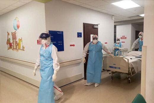 ببینید | استفاده از کیسه زباله به جای لباس مخصوص برای پرستاران اسپانیایی