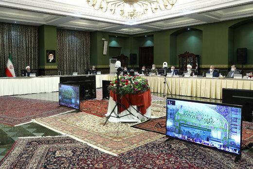 حسن روحانی به این عکس اشاره کرد؛ مراقبت پلیس از دستمال توالتها /فضاسازی ضدانقلاب به در بسته خورد