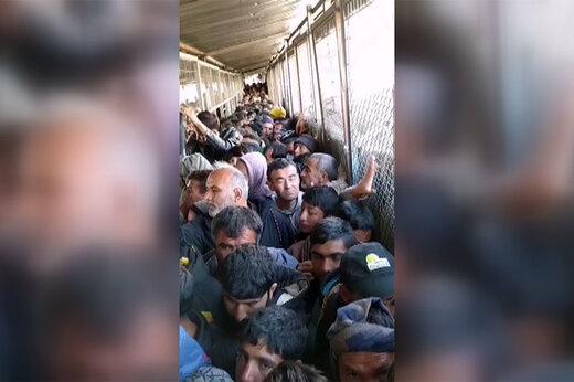 ببینید | خطر جدی کرونا در اوضاع اسفبار صف غذا در کمپ موریا یونان!