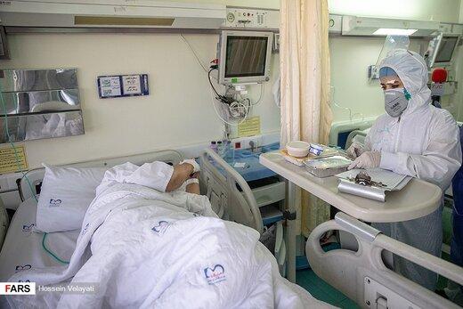 عیادت خادمان امام رضا (ع) از بیماران بیمارستان میلاد