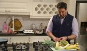 آشپزی پوریا پورسرخ با منوی ویژه برای مهمان گیاهخوارش