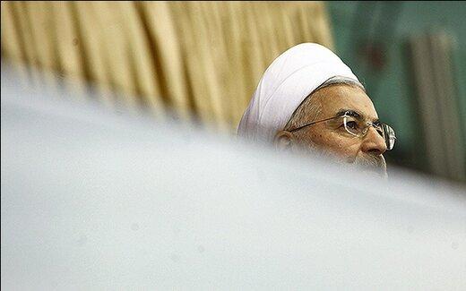 دولت روحانی روی ریل بحران در سال ۹۸؛ از سیل و کرونا تا اعتراض بنزینی