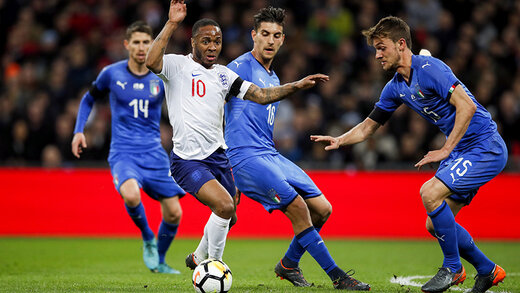 حرکت زیبای انگلیسیها در شبی که فوتبال به خاطر کرونا تعطیل بود/ عکس