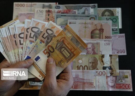 دلار امسال چقدر گران میشود؟