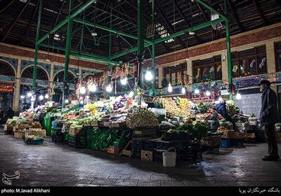 برای تامین نیازهای اولیه شهروندان بازار میوه تره بار تجریش باز است