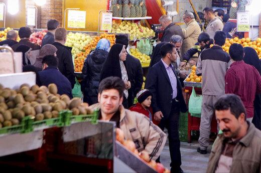 ببینید | شلوغی عجیب میدان میوه و ترهبار تهران در روزهای اوج کرونا!