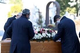ابتلای ۱۷ عضو خانواده انگلیسی به کرونا پس از شرکت در مراسم خاکسپاری