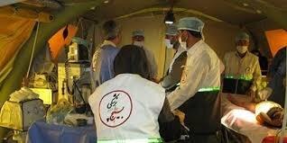 تیم درمانی بسیج پزشکی لرستان به درمان بیماران کرونایی خرمآباد میپردازند