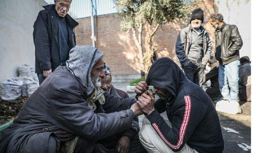 بهزیستی: نگهداری معتادان در مراکز، کشتار جمعی است/ پلیس: آماده جمعآوری معتادانیم