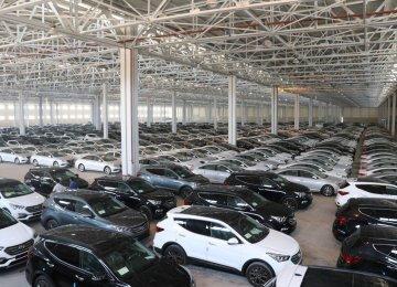 سقوط آزاد بازار خودرو