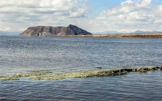 حجم آب دریاچه ارومیه از ۴.۵میلیارد مترمکعب عبورکرد