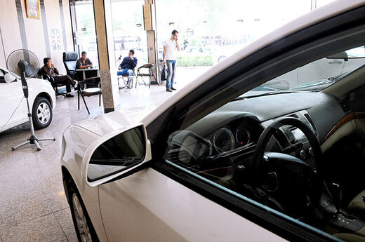 بازار سهام قیمت خودرو را پایین کشید