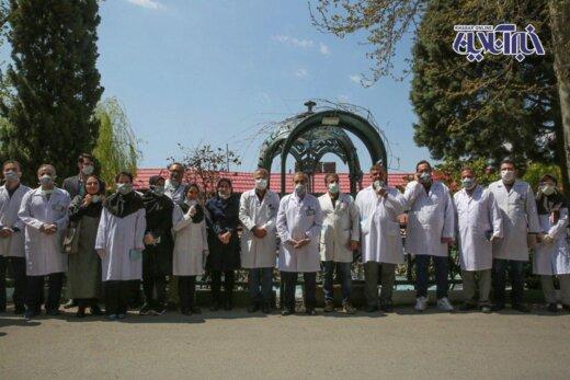 تجلیل ولایتی از پزشکان اصلیترین جبهه خط مقدم جنگ با کرونای تهران