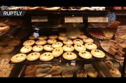 ببینید | بازار داغ شیرینیهای ماسکدار دورتموندی!
