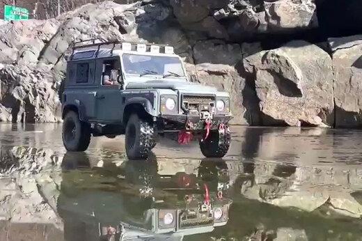 ببینید | ویدئوی عجیب از ردشدن یک جیپ از روی رودخانه یخ بسته