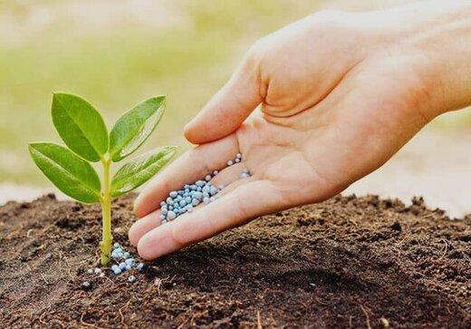 توزیع کود و سموم در تعاونیهای روستایی آذربایجان شرقی ادامه دارد