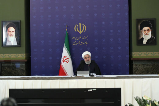 الرئيس روحاني يؤكد ضرورة منح القروض للشرائح الضعيفة