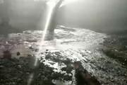 ببینید | قرمز شدن آب رودخانه در روستای«نمچ» شهرستان جیرفت!