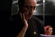 ببینید | قسمتی از دوبله «شهاب ایلکا» که حین کار در یک استودیو جان باخت