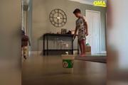 ببینید | هنرمایی عجیب پسربچه 8 ساله با چوب گلف و لیوان یکبار مصرف
