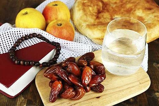 روش صحیح خوردن افطاری در ماه رمضان