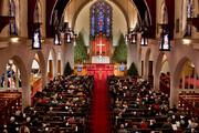 ببینید   روایت رهبر انقلاب از ماجرای تبدیل کلیسا به کاباره برای جذب جوانان!