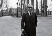 محمدرضا شاه برای جلوگیری از مصادره شدن خانه چه کسی، شخصا چک کشید؟