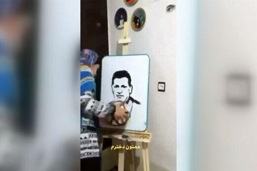 ببینید   نقاشی چهره علی دایی با توپ فوتبال