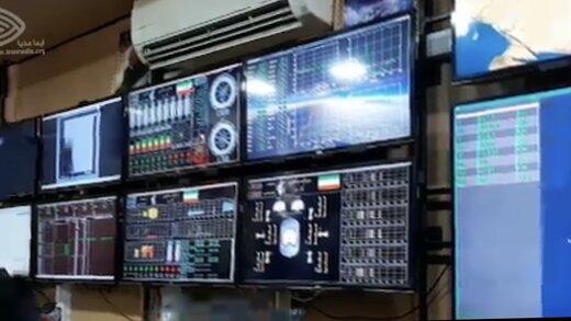 ببینید | تصاویر جدید از اتاق کنترل در لحظه پرتاب ماهواره نظامی سپاه به فضا