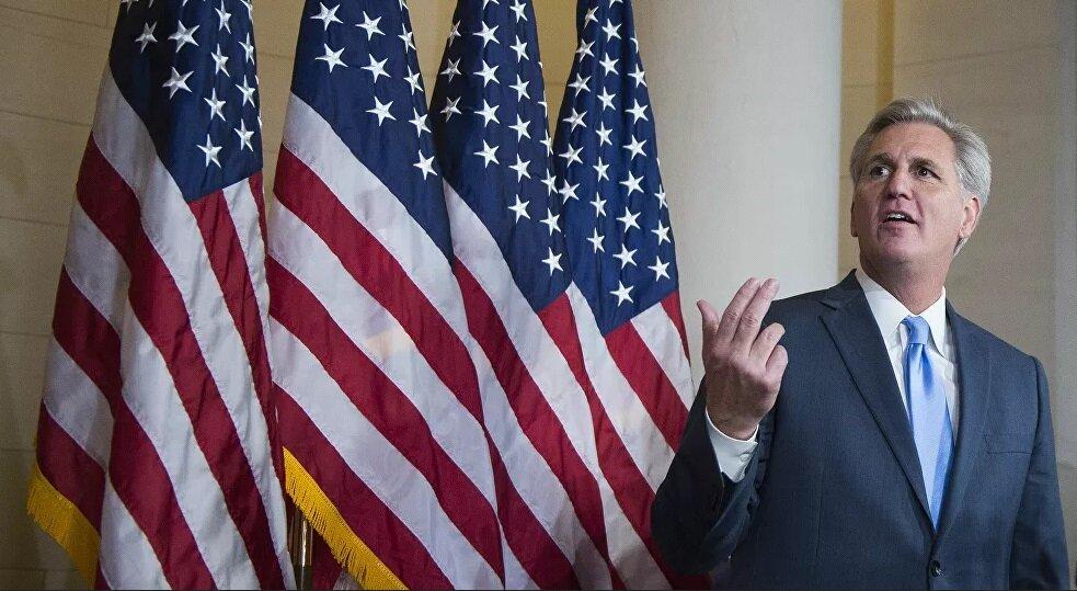 مک کارتی:بایدن یک رئیس جمهور ضعیف است
