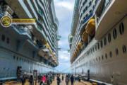 عکس دیدنی از پهلوگرفتن دو کشتی غولپیکر رویال در کنارهم