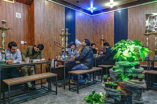 ببینید   گلایههای شنیدنی نایب رئیس اتحادیه ث قهوه خانه داران درباره بلایی که کرونا سرشان آورده