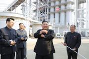 ببینید | اولین تصاویر رسمی از حضور رهبر کره شمالی پس از شایعه مرگ/ اون کارخانه کود افتتاح کرد