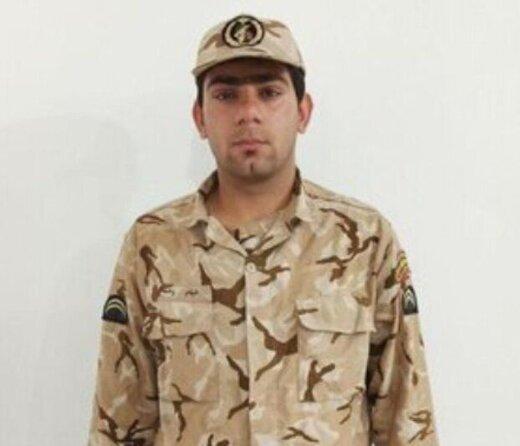 قدردانی از سربازی که حقوق خود را صرف کمک به نیازمندان کرد