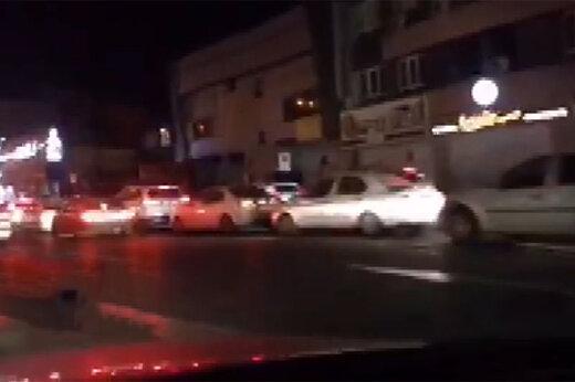 ببینید | ترافیک سنگین بزرگراه شهید سلیمانی و ازدحام مردم در پمپ بنزین میدان رسالت تهران