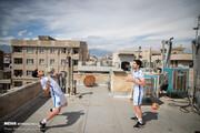 تصاویر | تمرینهای ورزشی روی پشت بامها