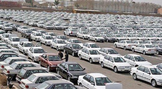 بازار خودرو مترصد ریزش/ دلالان دست به کار شدند