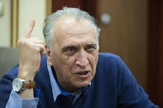 احمد نجفی: افرادی خاص، بازیگران را تهدید میکنند تا اسم انقلاب را نیاورند