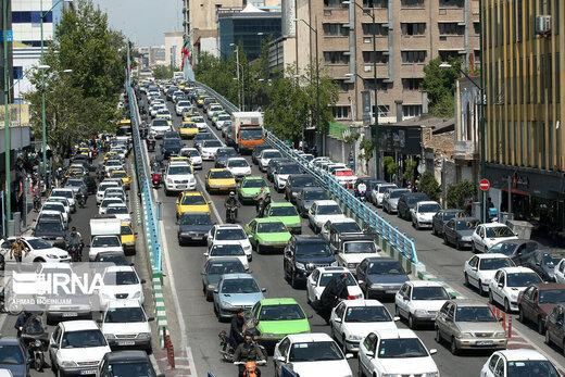 درخواست وزارت بهداشت: طرح ترافیک تا زمان کنترل کرونا اجرا نشود