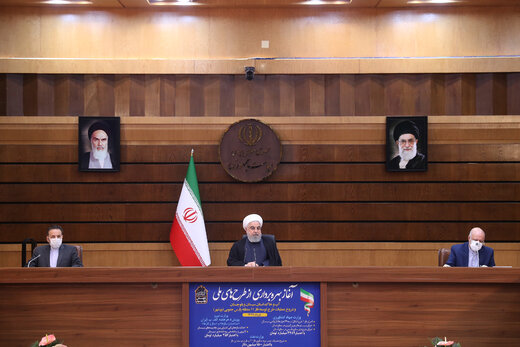 روحانی: ویروس آمریکایی تحریم و کرونا نمیتواند ما را متوقف کند