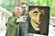 عکس | واکنش رضا کیانیان پس از دیدن کاریکاتور خودش