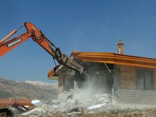 ۳ ویلای غیرمجاز در شهرستان کوهرنگ تخریب شد