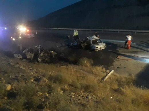 تصادف مرگبار بامداد امروز در اتوبان کاشان/ ۸ نفر کشته شدند