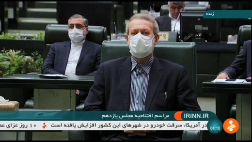 تصویری از لحظه ورود لاریجانی به مجلس به عنوان یک مهمان نه رئیس