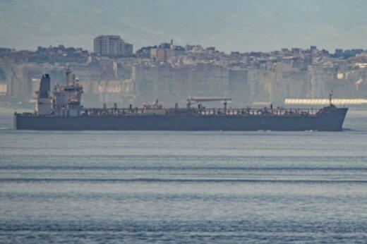 ببینید | اسکورت نفتکش ایرانی «پِتونیا» توسط نیروهای مسلح ونزوئلا