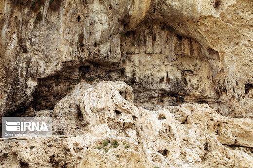 بقایای مدرسه تاریخی اتابکی در سمیرم