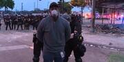حرکت نژادپرستانه دیگر از سوی آمریکا؛ گزارشگر سیانان مقابل دوربین بازداشت شد